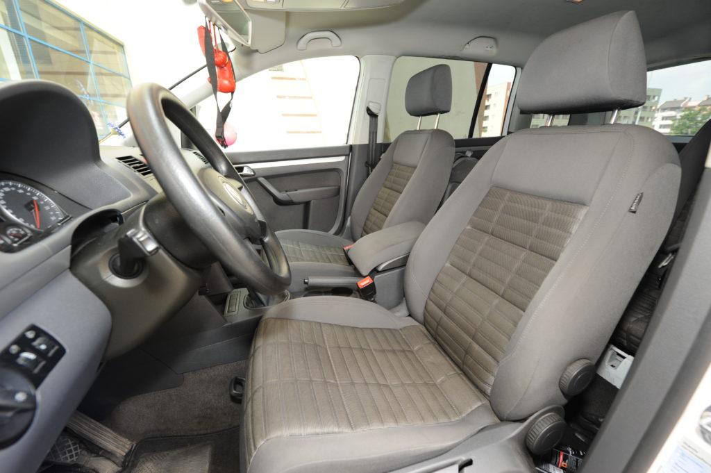 Tuning-VW-Touran-2.0-TDI-wnetrze