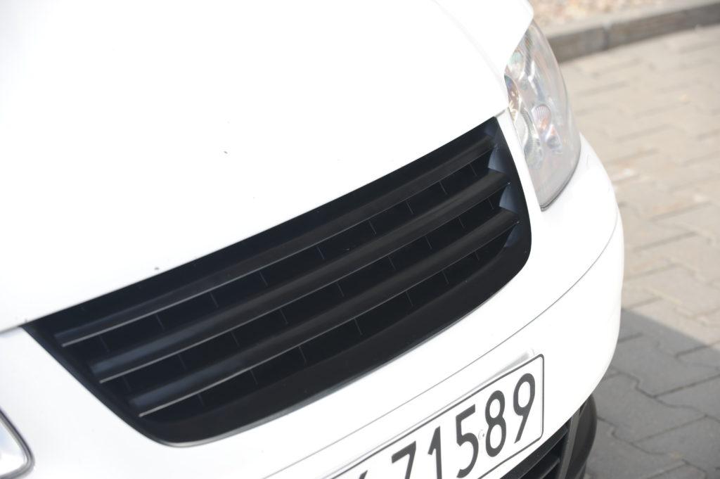 Tuning-VW-Touran-2.0-TDI-grill auta