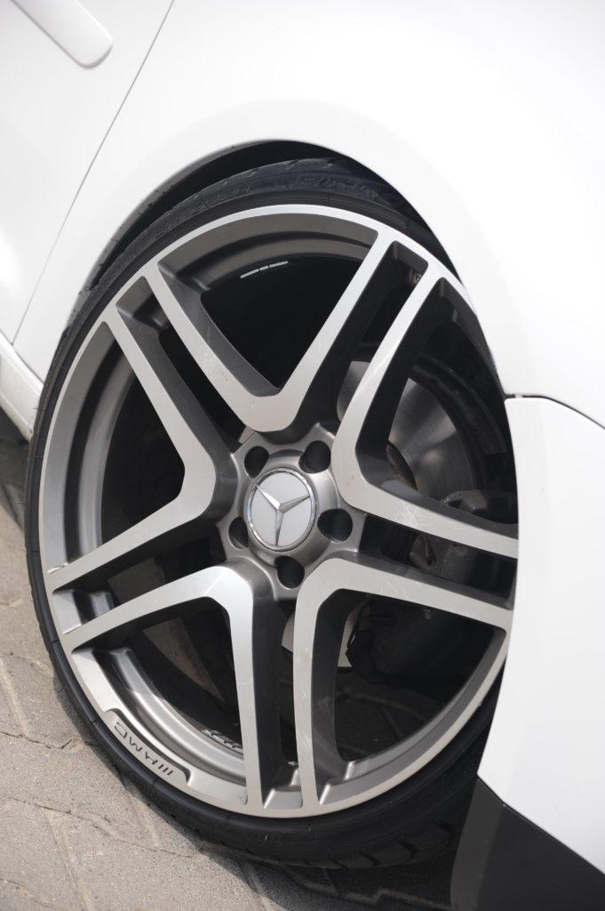 Tuning-VW-Touran-2.0-TDI-felga mercedesa amg