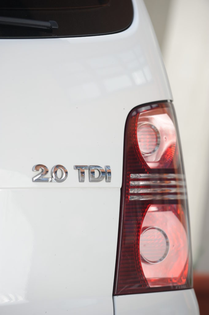 Tuning-VW-Touran-2.0-TDI-tylna lampa