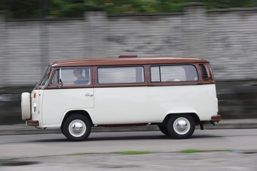 Tuning-VW_Transporter-T2-w czasie jazdy