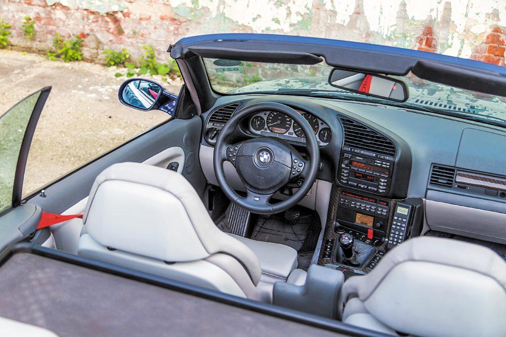 Tuning_BMW_E36_cabrio_kokpit