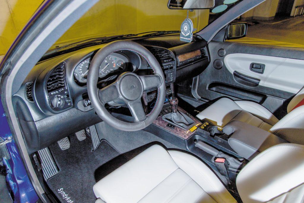 Tuning_BMW_E36_coupe kokpit