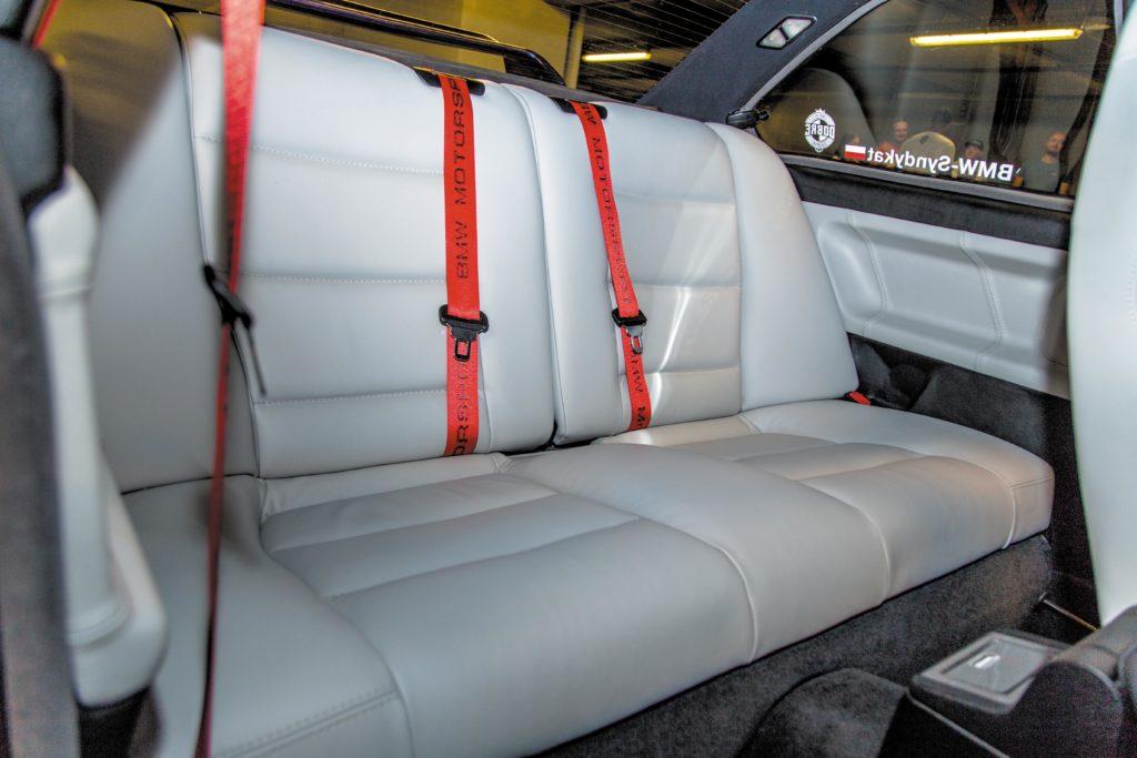 Tuning_BMW_E36_coupe tylna kanapa