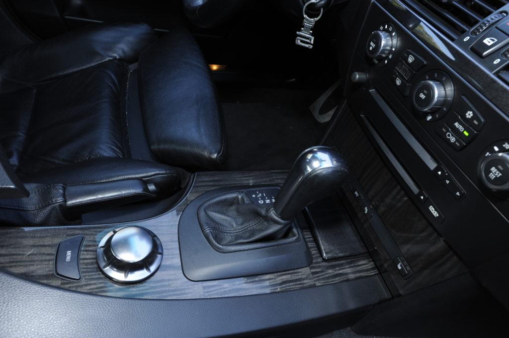 Tuning_BMW_E60_dźwignia skrzyni biegów