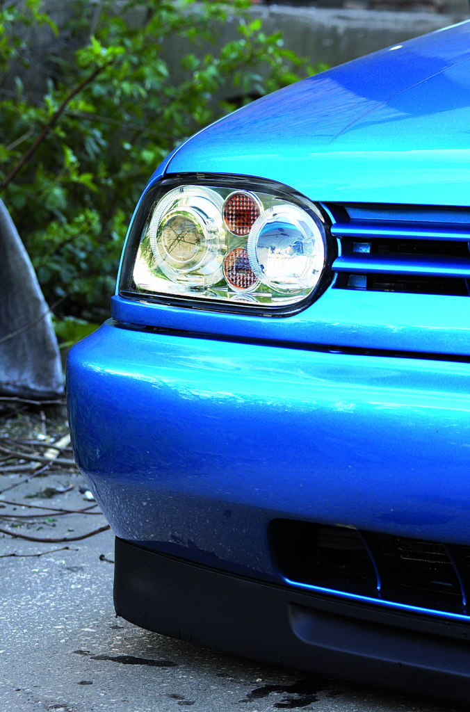 Tuning_VW_Golf_3_VR6_prawy_reflektor