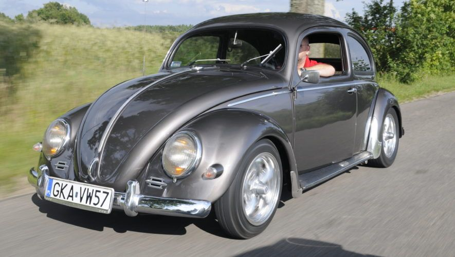 Tuning-VW-Garbus-Oval-podczas jazdy